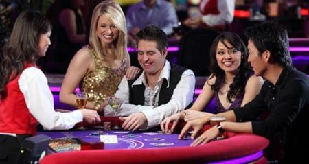 Play With Your Friends Now at Fruity King Online Casino