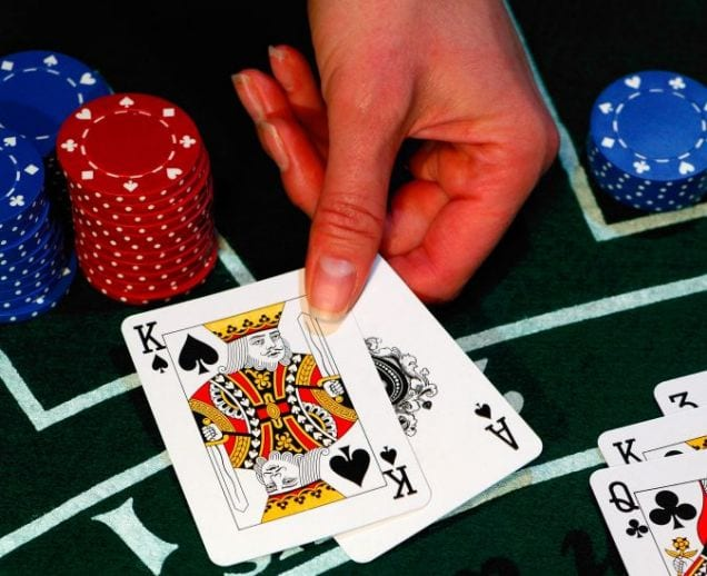Live Casino Blackjack Hand in Hand with a Great Live Gaming Casino Experiences